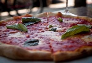 PAGOTXA RZk: Pizza (tomate, mozzarela, albaka eta antxoilekin)