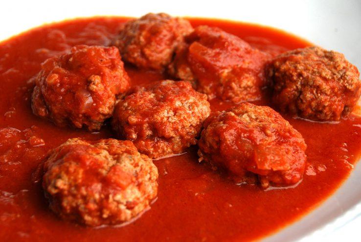 Pagotxa RZk: Almandrongilak edo albondigak tomate saltsan